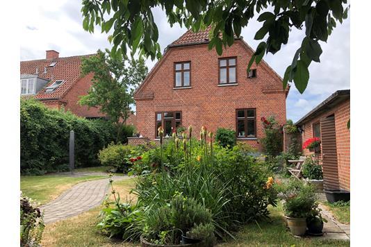 Villa på Hans Tausensgade i Slagelse - Ejendommen