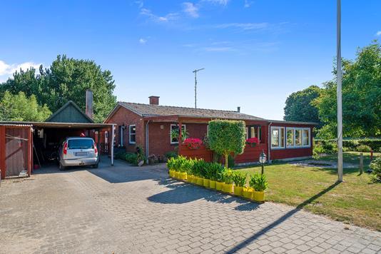 Villa på Fårdrupvej i Slagelse - Set fra vejen