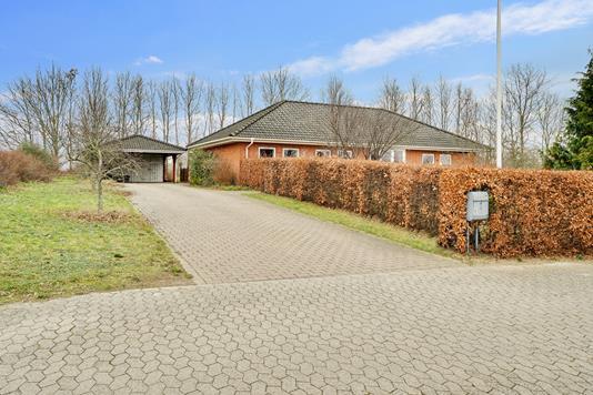 Villa på Hylleparken i Slagelse - Set fra vejen