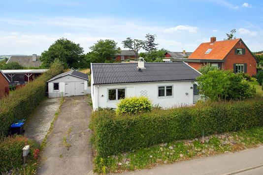 Villa på Esterhøjvej i Asnæs - Ejendommen