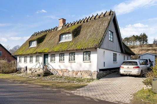 Villa på Riisvej i Fårevejle - Set fra vejen