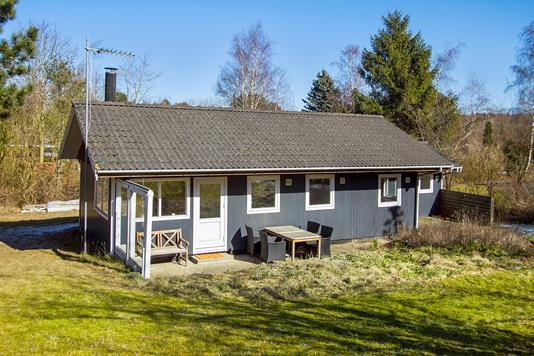 Fritidsbolig på Falkevej i Asnæs - Set fra haven