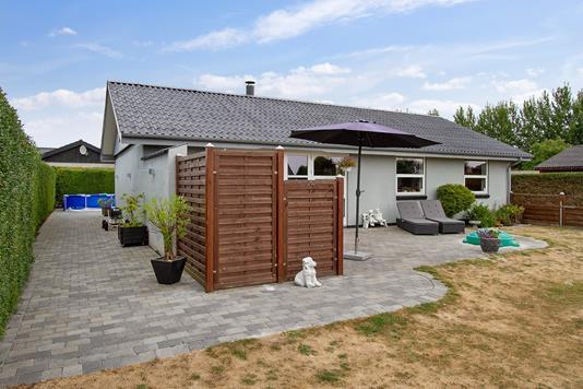 Villa på Syrenvej i Fårevejle - Set fra haven