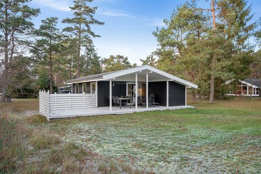Fritidsbolig på Højby Lyngvej i Højby - Set fra haven