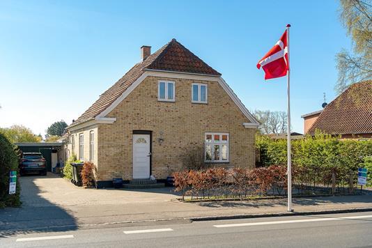 Villa på Høvevej i Fårevejle - Set fra vejen