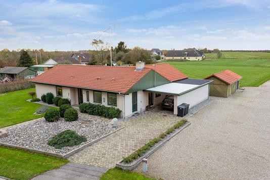 Villa på Nordgårdsvej i Svinninge - Set fra vejen