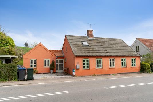 Villa på Høve Bygade i Asnæs - Set fra vejen