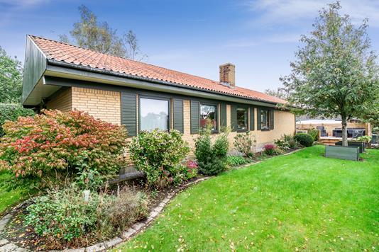 Villa på Solvænget i Asnæs - Set fra haven