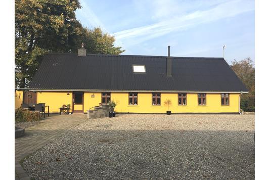 Villa på V. Idskovvej i Dybvad - Ejendommen