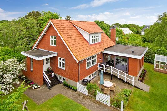 Villa på Agerledet i Sæby - Ejendommen