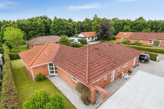 Villa på Vævervej i Sæby - Ejendommen