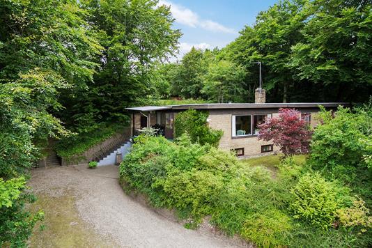 Villa på Bakkevang i Sæby - Set fra vejen