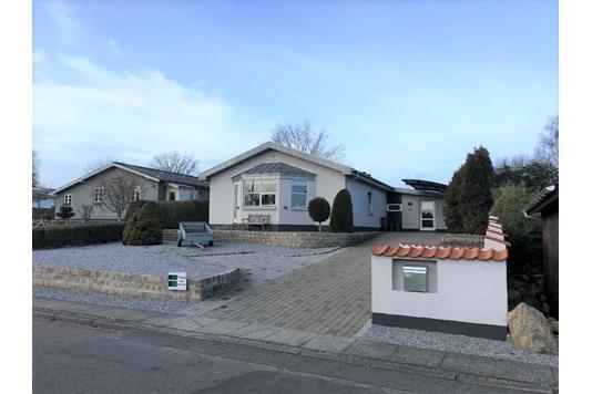 Villa på Østeralle i Sæby - Ejendommen