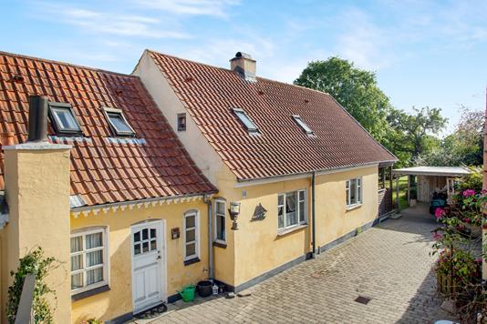 Villa på Vinkelvej i Sæby - Ejendommen