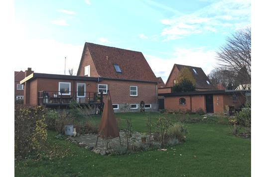 Villa på Skævevej i Dybvad - Ejendommen