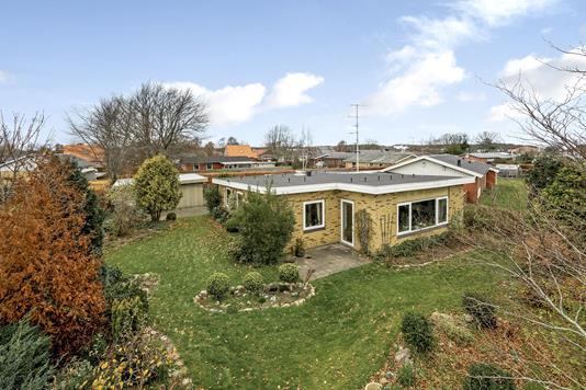 Villa på Birkevang i Sæby - Ejendommen