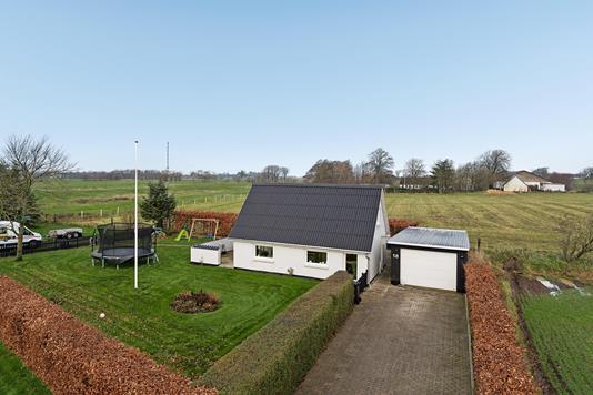 Villa på Rugholmen i Dybvad - Ejendommen