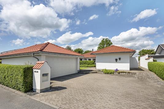 Villa på Rosenhaven i Sæby - Ejendommen