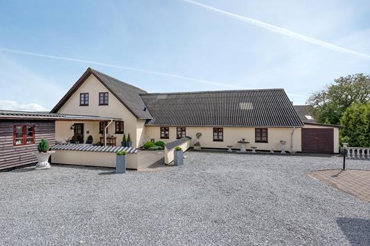 Villa på Klydevej i Sæby - Ejendommen