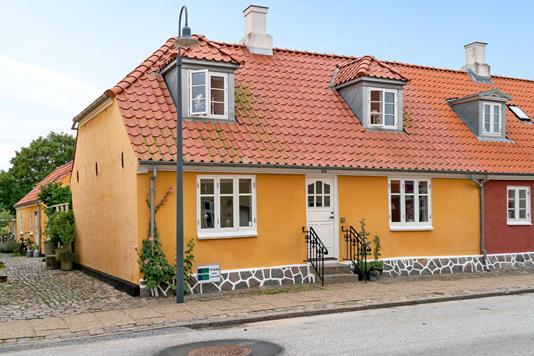 Rækkehus på Strandgade i Sæby - Ejendommen