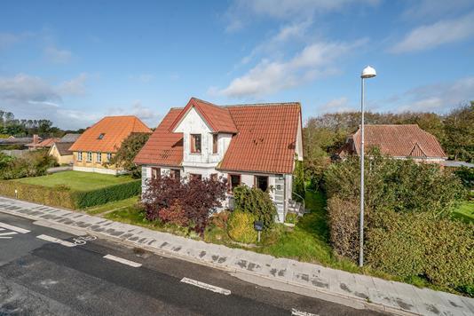Villa på Hjørringvej i Sæby - Ejendommen