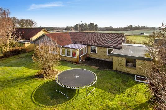 Villa på Eventyrvej i Brønderslev - Ejendommen
