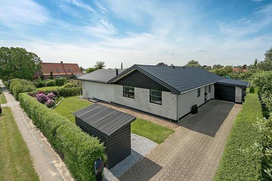 Villa på H C Andersens Alle i Brønderslev - Ejendommen