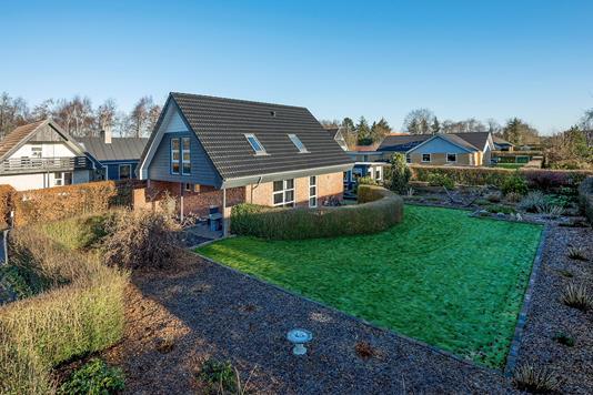Villa på I P Hartmanns Kvarter i Brønderslev - Ejendommen