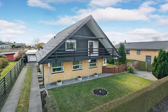 Villa på Bundgårdsvej i Brønderslev - Ejendommen