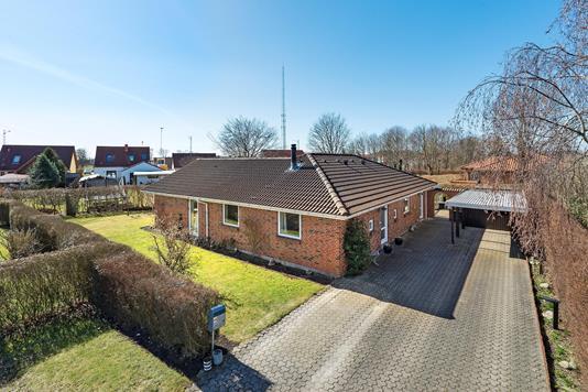 Villa på Storebæltsvej i Brønderslev - Ejendommen