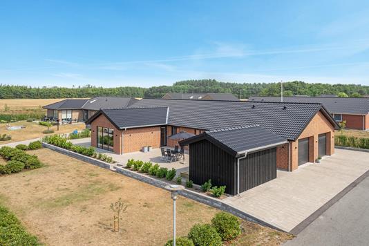 Villa på Otto Mallings Kvarter i Brønderslev - Ejendommen