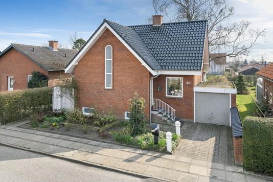 Villa på Rosenvængets Alle i Brønderslev - Ejendommen