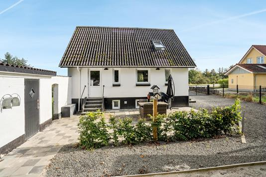 Villa på Hjørringvej i Brønderslev - Ejendommen