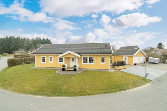 Villa på Kræen Bjergensvej i Brønderslev - Ejendommen