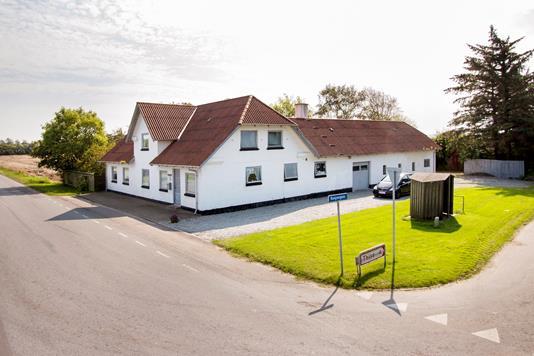 Villa på Brønderslevvej i Løkken - Ejendommen