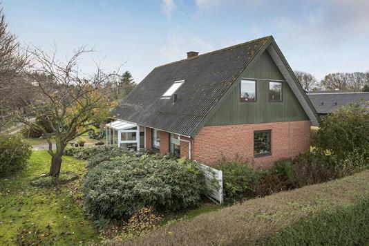 Villa på Ths O Løkkensvej i Brønderslev - Ejendommen