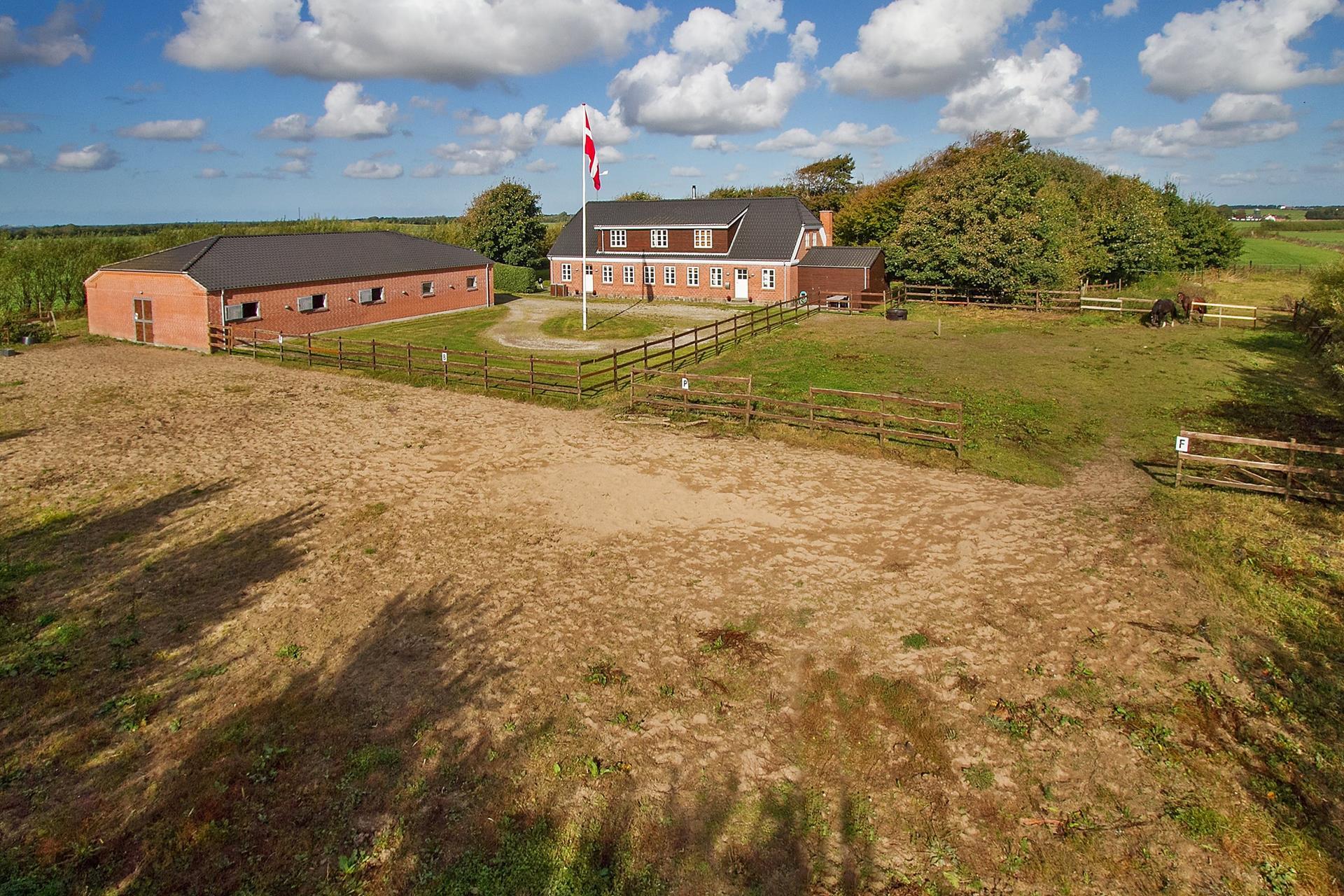 Landejendom på Lyngvej i Brønderslev - Ejendommen