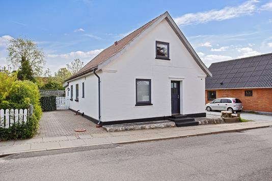 Villa på Rolighedsvej i Fjerritslev - Set fra vejen