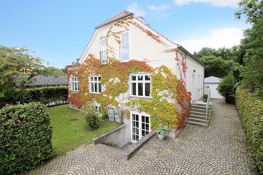 Villa på Højvangen i Søborg - Ejendommen