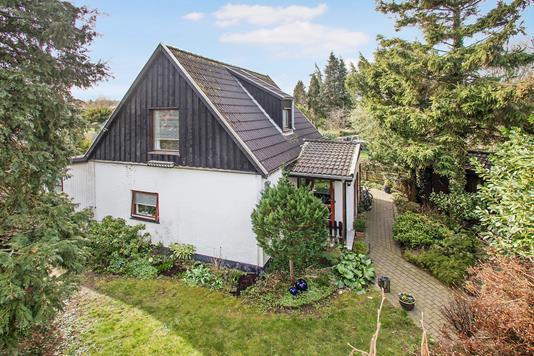 Villa på Buddinge Hovedgade i Søborg - Ejendommen