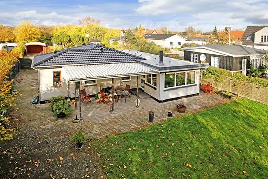 Villa på Lillegårds Alle i Søborg - Ejendommen