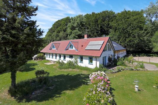 Landejendom på Dorfvej i Dronninglund - Ejendommen