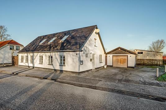 Villa på Luneborgvej i Tylstrup - Ejendommen