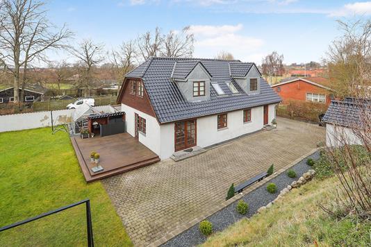 Villa på Romdrupvej i Klarup - Ejendommen