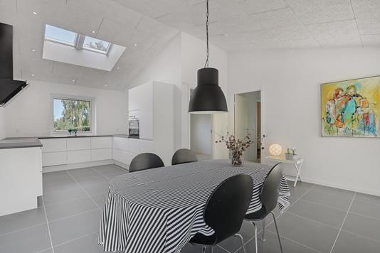 Villa på Hadsundvej i Aalborg - Køkken alrum