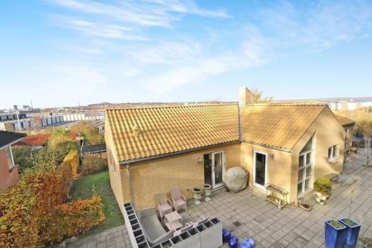 Villa på Bakkegårdsvej i Aalborg - Ejendom 1