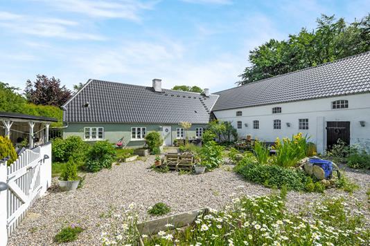 Villa på Oppelstrup Bygade i Gistrup - Ejendommen