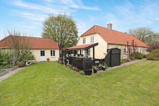 Villa på Nøvlingvej i Gistrup - Ejendommen