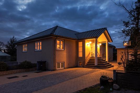 Villa på Ellevej i Solrød Strand - Ejendommen