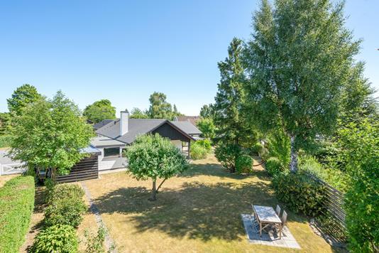 Villa på Tåstrup Valbyvej i Ishøj - Ejendommen